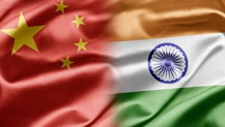 Montage of Chinese and Indian flag