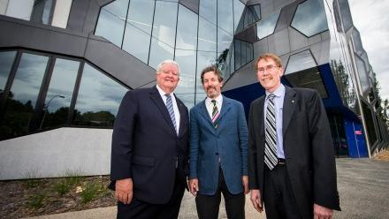 Australia's Chief Scientist Professor Ian Chubb (l), Research School of Chemistry Director Professor John Carver, and Vice-Chancellor Professor Ian Young (r) at the opening of the new chemistry building.