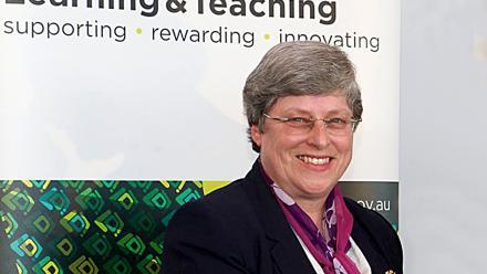 Dr Beth Beckmann