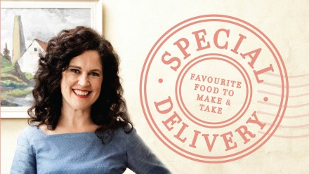 Front cover of 'Special Delivery' Favourite food to make and taken, written by Annabel Crabb & Wendy Sharpe