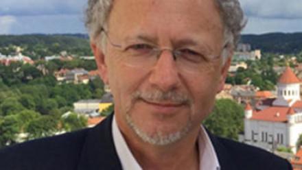 Dr Fernand de Varennes