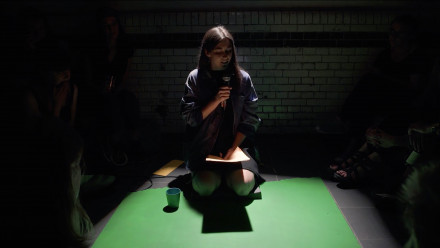Ash Kilmartin is an artist from Aotearoa/New Zealand, currently based in the Netherlands. She works in sculpture and performance, with ongoing projects in sound, broadcast and publishing as modes of collaboration and distribution.