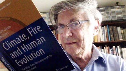 Dr Andrew Glikson