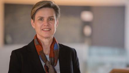 Dr Lesley Seebeck