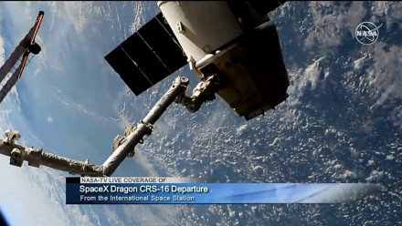 Image of NASA-TV live coverage of SpaceX Dragon departure viewed from the International Space Station by steve p2008 on flickr (CC BY 2.0).