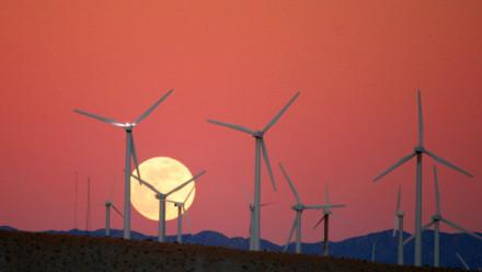 Image: wind farm attribute to Chuck Coker (Flickr)