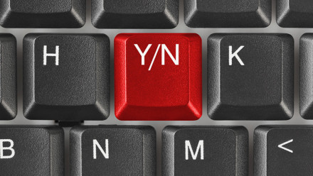 Keyboard with a yes/no key
