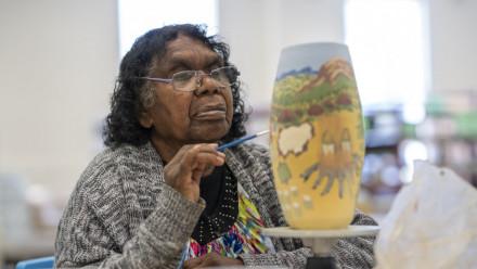 Artist Judith Inkamala of Hermannburg, Northern Territory. Image: Lannon Harley, ANU.