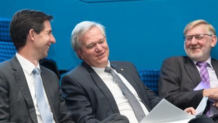 Minister Simon Birmingham, ANU Vice-Chancellor Brian Schmidt and CO2CRC Chairman Martin Ferguson