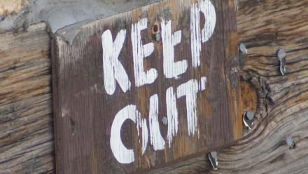 Keep out sign. Image by Bradley Gordon on flickr.