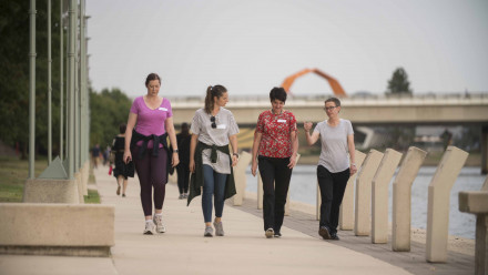 Professor Elanor Huntington, Dean, ANU College of Engineering and Computer Sciences walking with mentees. Photo by Jamie Kidston.