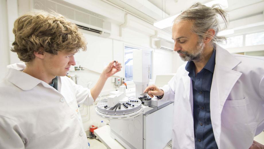 Ilya Bobrovskiy (left) with Associate Professor Jochen Brocks. Image credit: ANU