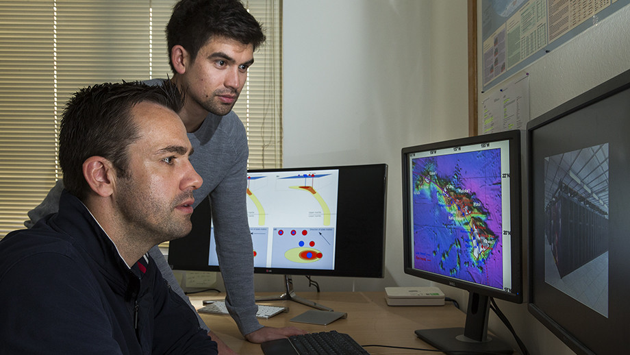 Dr Rhodri Davies and PhD student Tim Jones from the ANU Research School of Earth Sciences