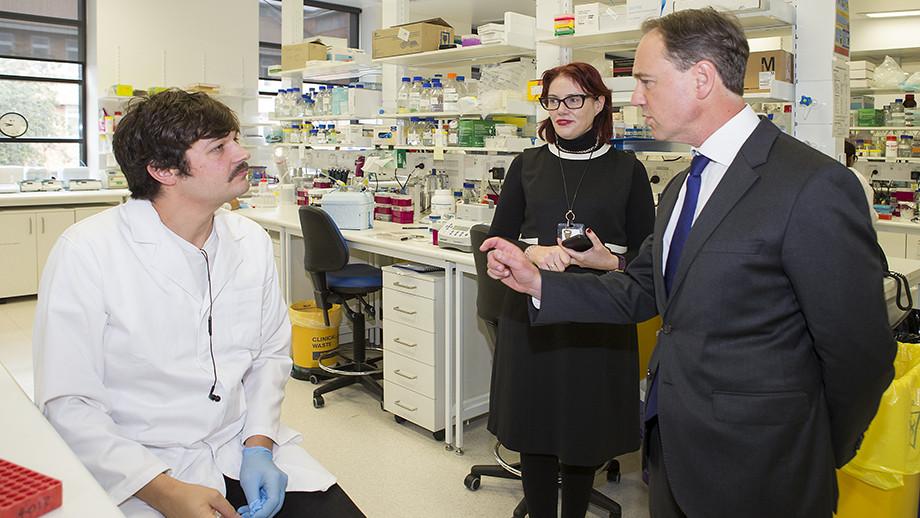 Minister for Health Hon Greg Hunt visiting the JCSMR lab at ANU. Image: Stuart Hay ANU