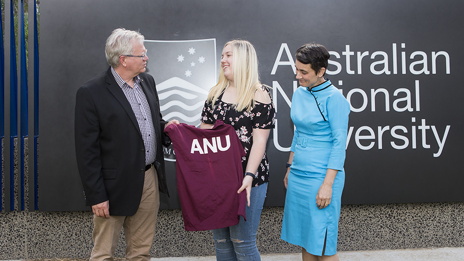 Canberra student Zoe Hoare is welcomed to ANU by Vice-Chancellor Professor Brian Schmidt, and Deputy Vice-Chancellor (Academic) Professor Marnie Hughes-Warrington.