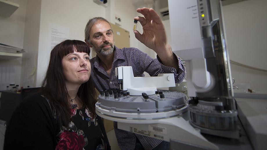 Dr Amber Jarrett and Associate Professor Jochen Brocks. Image: Stuart Hay, ANU