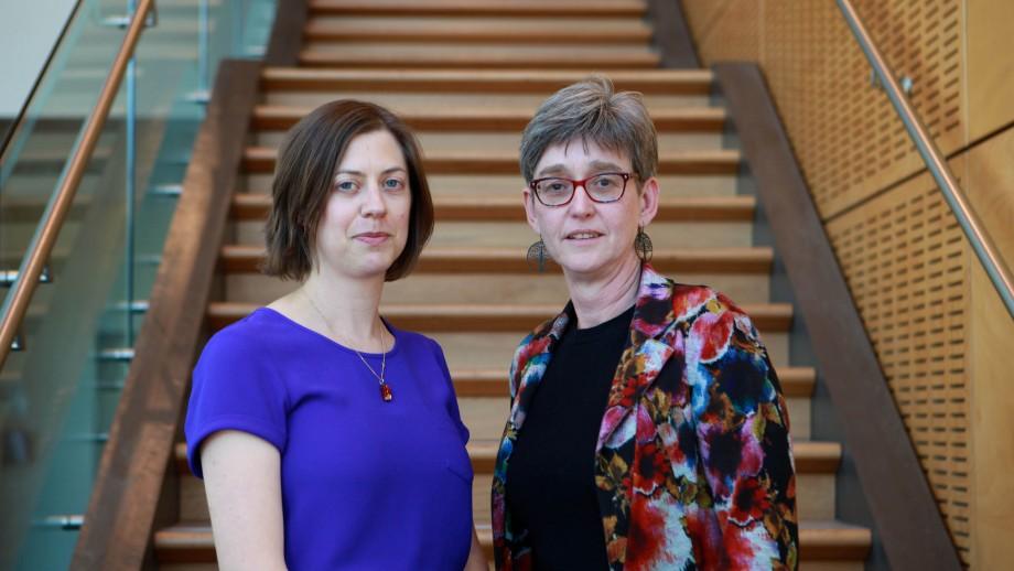 Dr Liz Sturgiss and co-researcher Associate Professor Kirsty Douglas