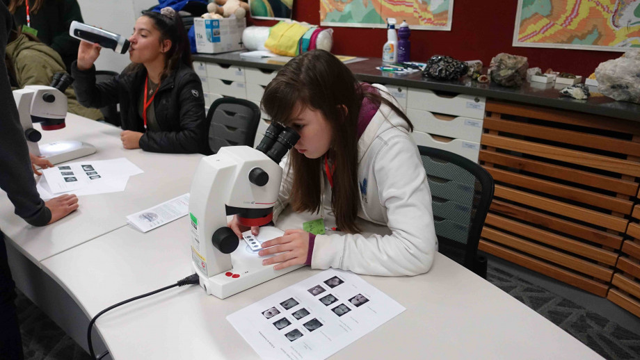 High school students participating in the second GEMS workshop at ANU during the school holidays. Image courtesy RSES.