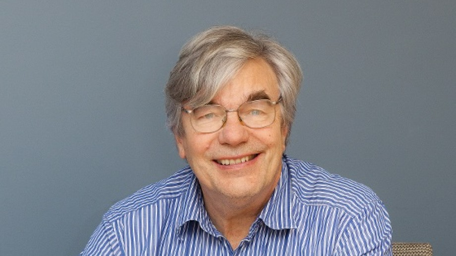 Picture of Professor Howard Morphy