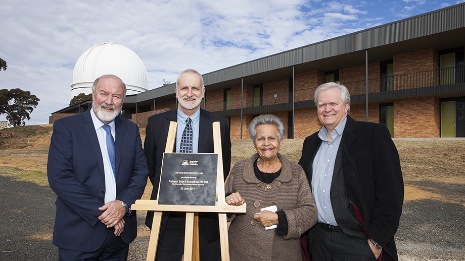 (L-R) Warrumbungle Shire Mayor Peter Shinton, Professor Matthew Colless, Aunty Maureen Salter and Professor Brian Schmidt AC in front of the lodge at Siding Spring Observatory. Image: Stuart Hay, ANU