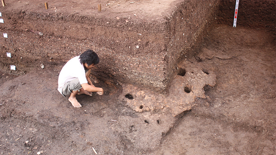 The excavation site at Rach Nui in Southern Vietnam. Image: ANU.