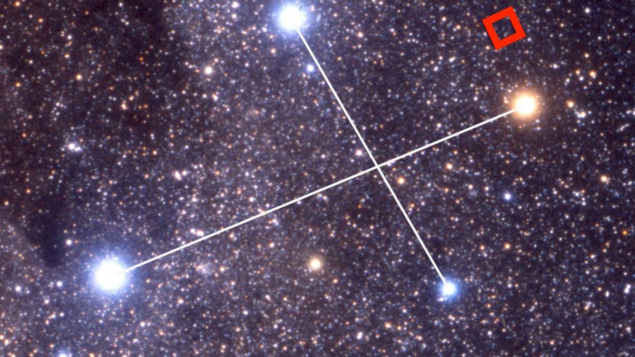 The location of one of the red dwarves, named 2M1239-5702, near the southern cross. Image: Akira Fujii