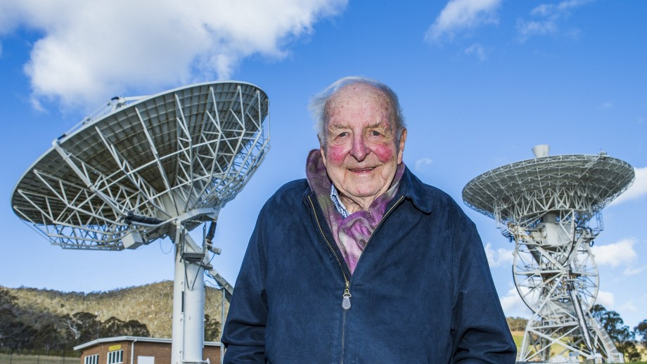 Emeritus Professor Ross Taylor. Photo by Stuart Hay.