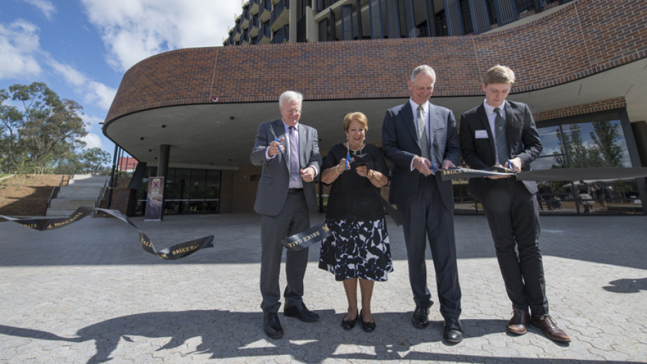 The Vice-Chancellor, Lady Cosgrove, Graham Tuckwell and Bruce Hall student president cut the ribbon to open Bruce Hall