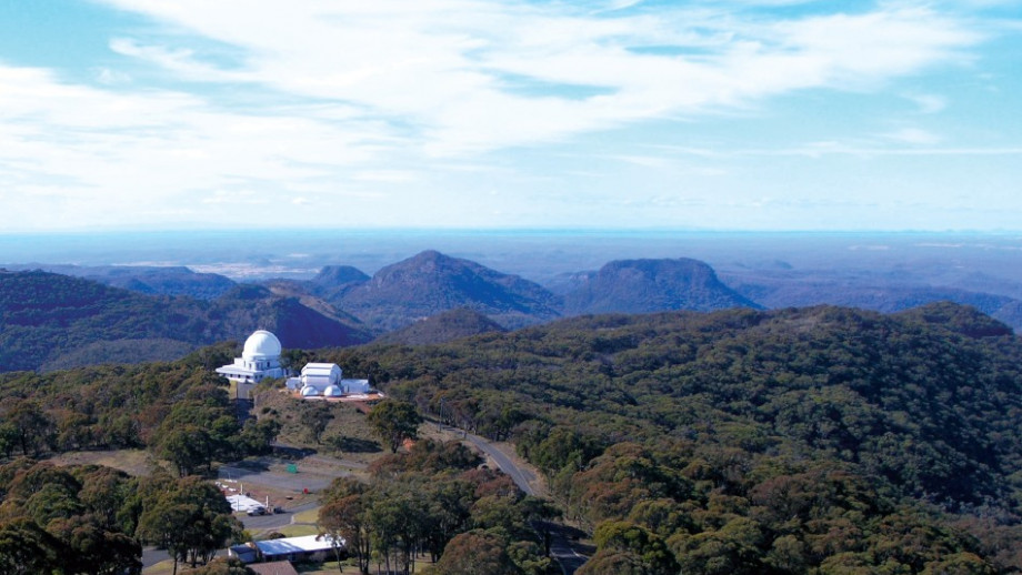 Siding Springs sits atop the Warrumbungle Mountains